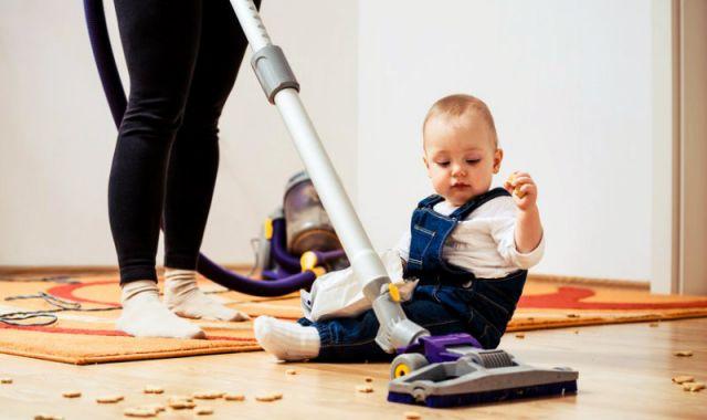 Как прибраться в доме с ребенком?